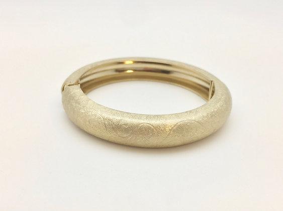 BG18 Gold Etched Hinge Bracelet