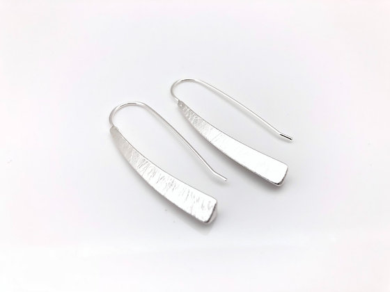ES268 Silver Yagasuri Stick Earrings, Simple Style Best Seller