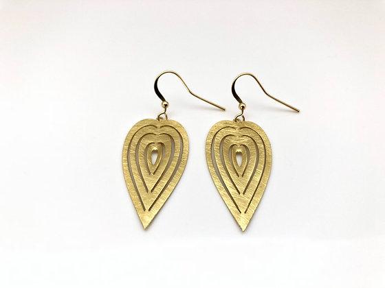 EWG28 Gold Kirie Heart Earrings