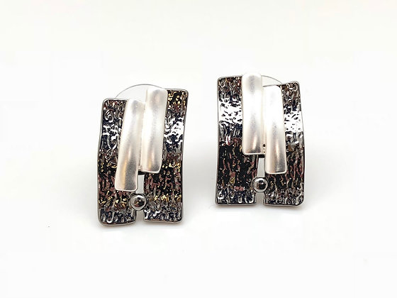 SE18 Black and Silver Post Earrings