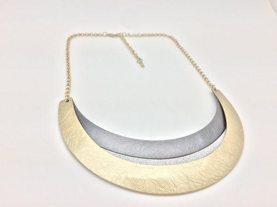 NB10 Sale Final Price $15 Two Tone Hematite and Gold Obi Necklace