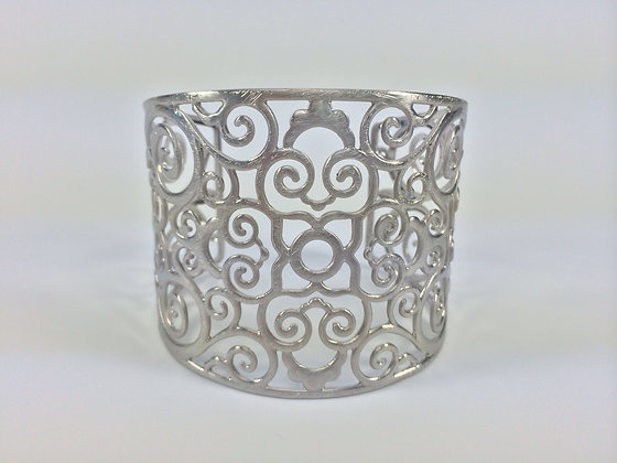 B327 Sale $10 Final Price Silver Alhambra Bracelet