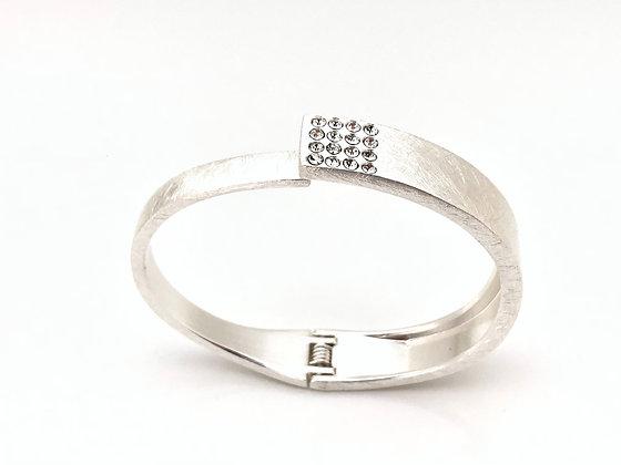 BS42 Silver Sparkling Obi Bracelet