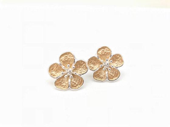 SE20 Sakura Flower Post Earrings