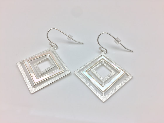 ES90 Silver Shikaku Earrings with Mother of Pearl
