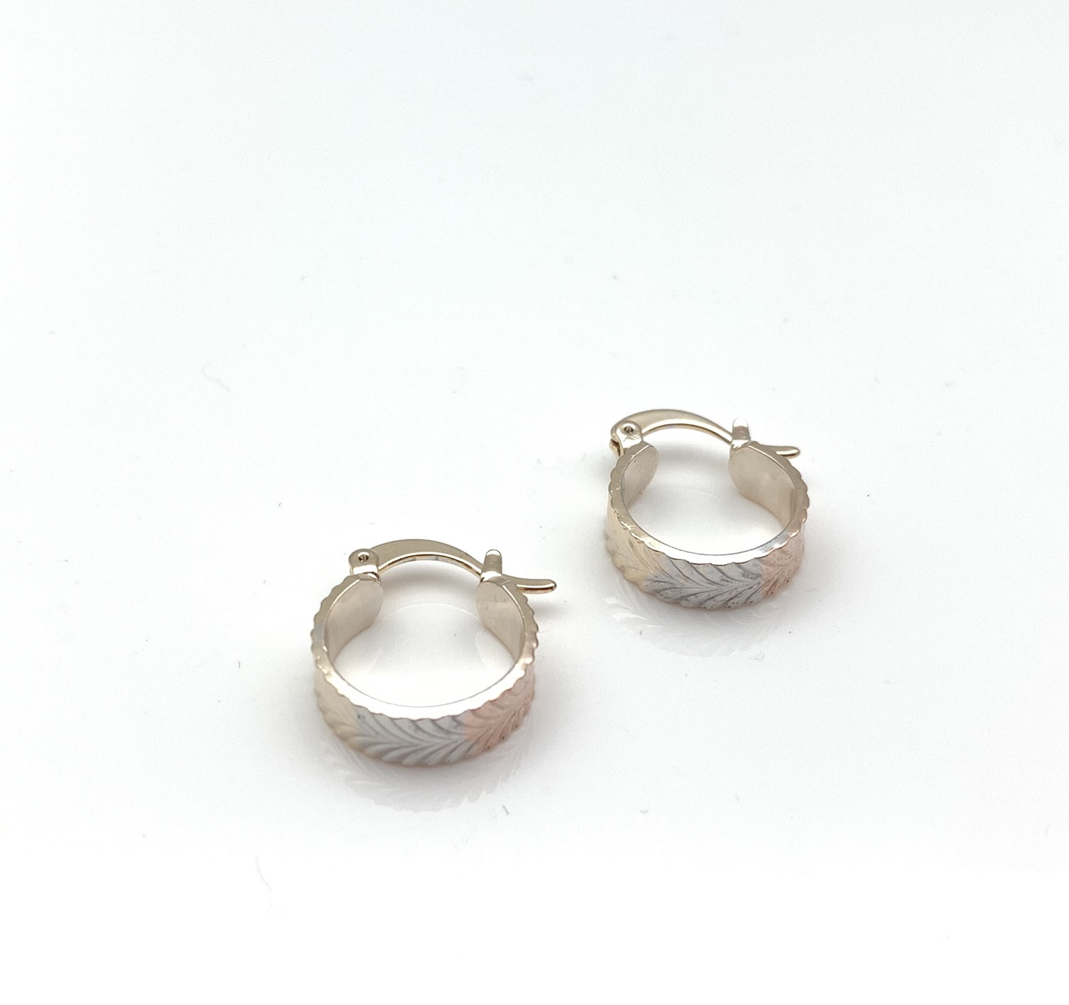 Thumbnail: H132 Tricolor Leaf Pattern Small Hoop