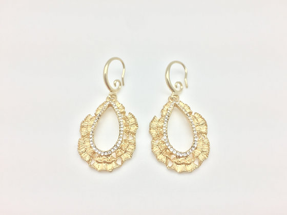 EG47 Gold Sparkling Lace Brocade Earrings