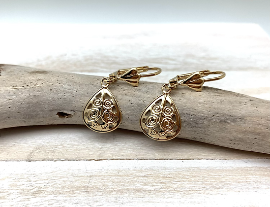 H172 Small Scroll Gold Earrings
