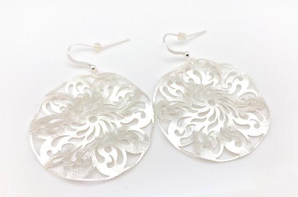 ES226 Silver Kazaguruma Earrings