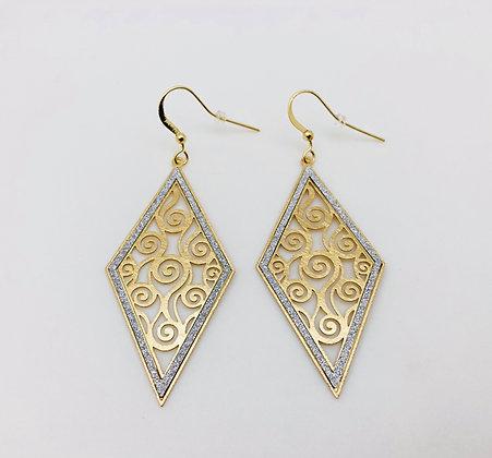 EG158 Gold Hishigata Swirl Earrings