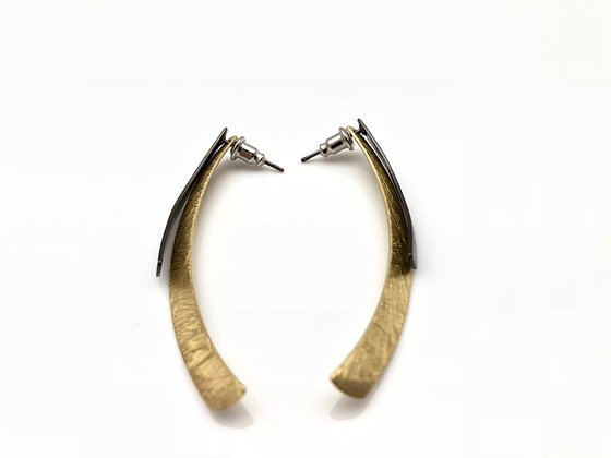 EG208 New! Gold and Black Matsuba Earrings