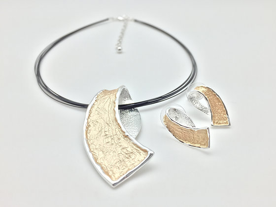 #25 SALE Final Price $15 Gold and silver ribbon necklace set