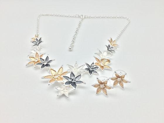 #17 Star Flowers Necklace Set