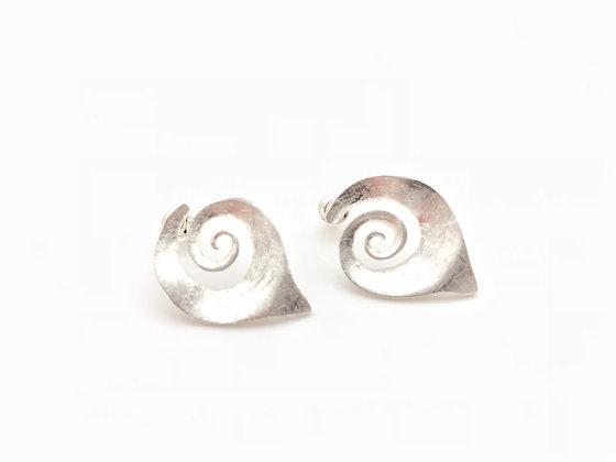 ES212 New! Silver Makigai Post Earrings