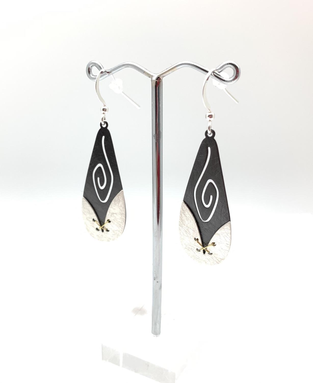 Thumbnail: ES427 Silver and Black Usagi Earrings
