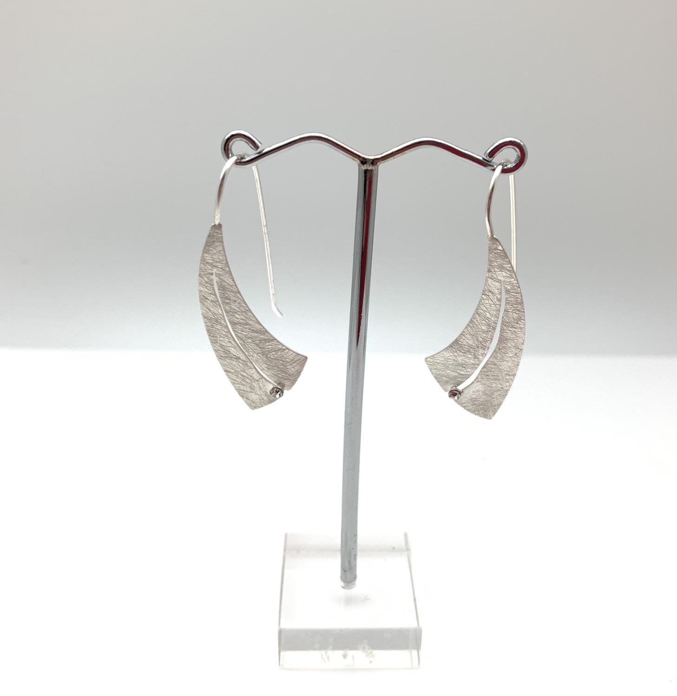 Thumbnail: ES425 Silver Crescent Moon Tsuki Earrings