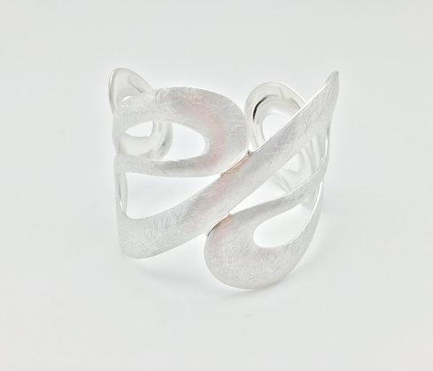 SB 7. Silver Wave Cuff
