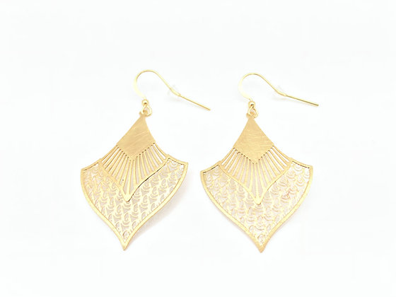 EG265 Gold Sensu Earrings