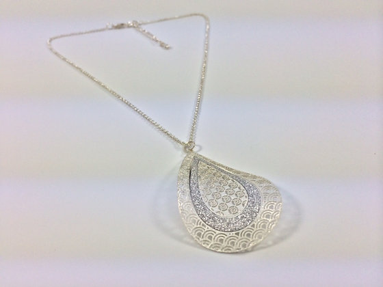 N106 *Silver Glitter Leaf Necklace