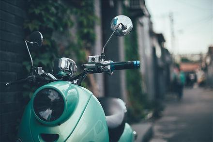 scooter-593155_1920.jpg