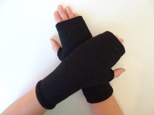 Women's recycled - repurposed wool fingerless gloves: 1 avail.; black