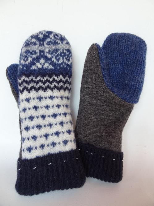 Women's recycled - repurposed wool mittens: 1 available; white/gray/blue