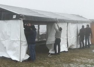 Grand Opening - Zelt steht