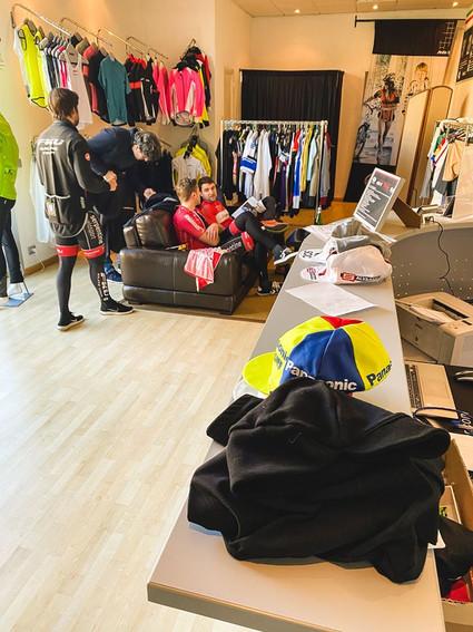 FkU-Rennteam besucht PELLA-Sportswear
