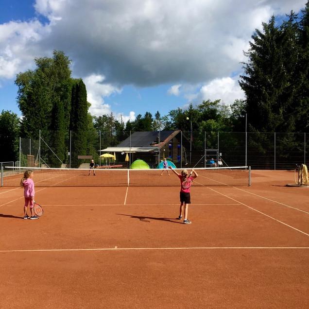 Sommercamp-Mätschli 4 Mädchen (Medium).j