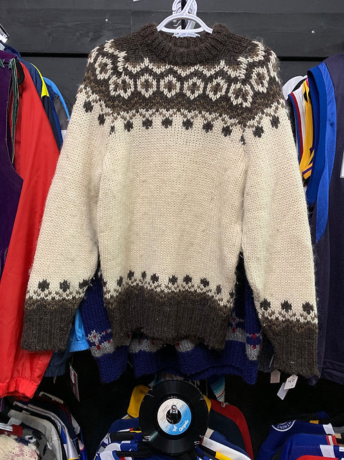 KNIT SWEATER - MED