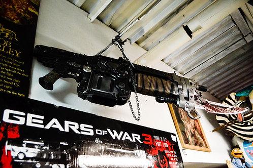 GEARS OF WAR RETRO LANCER REPLICA