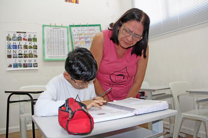Educando para o Mundo - Prof. Sônia Cortes