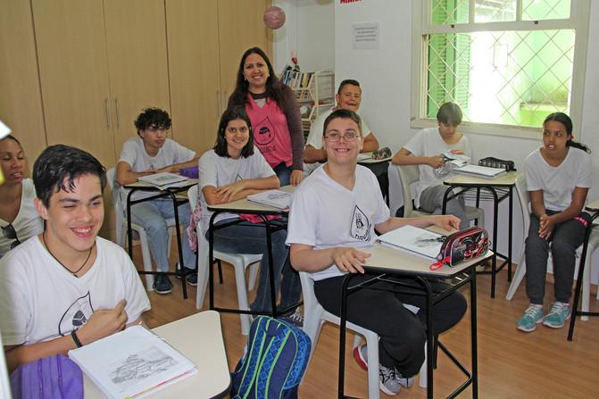 Educando para o Mundo - Prof. Kelly dos Santos