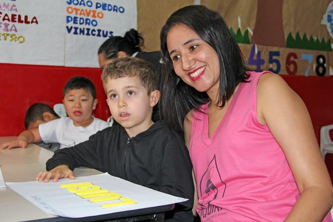 Educando para o Mundo - Prof. Maria Rosa