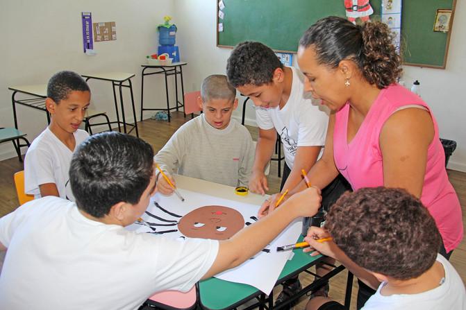 Educando para o Mundo - Prof. Cleuma Barbosa