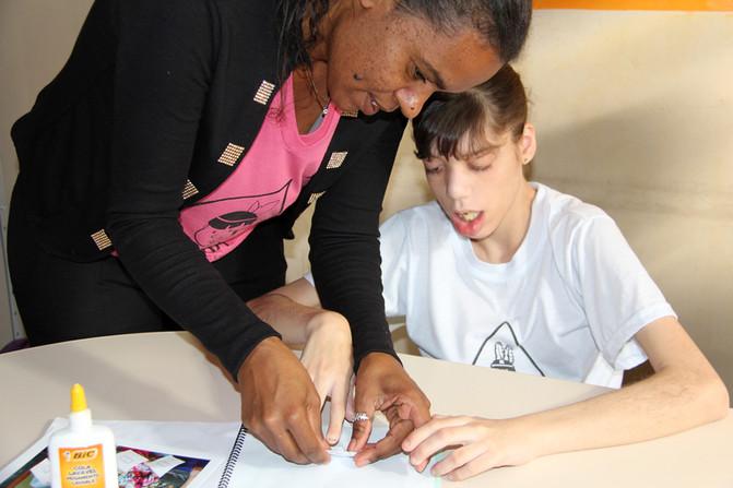 Educando para o Mundo - Prof. Tatiana Ribeiro