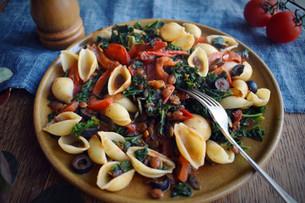 Quick Olive & Kale Pasta