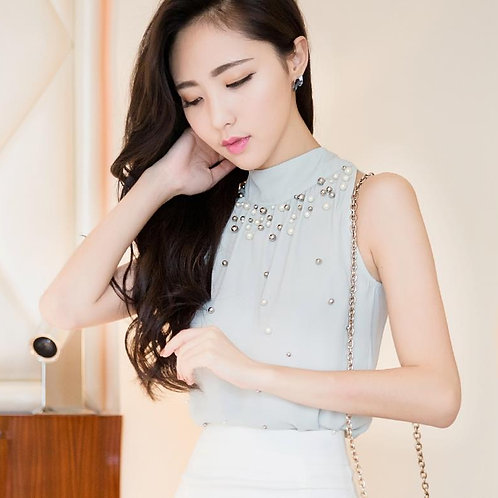 Chiffon Sleeveless Turtleneck Blouse