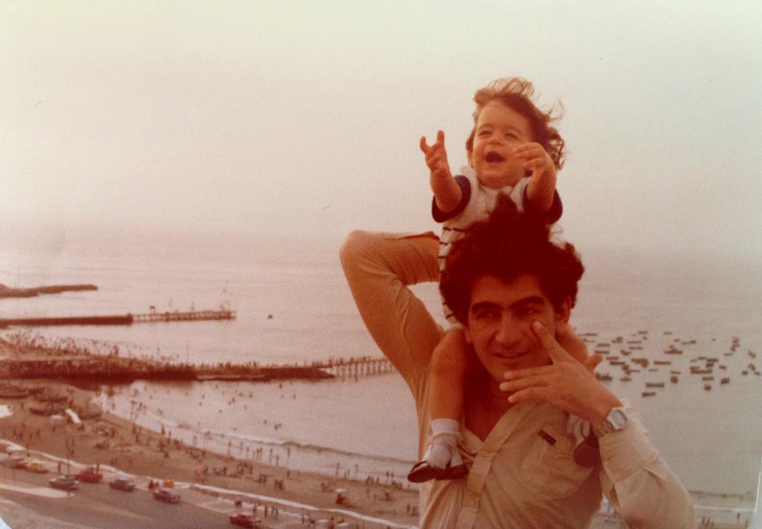Papa y yo- malecon, Lima 1978