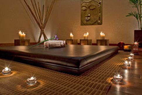 Heavnly spa Thai massage room.jpg