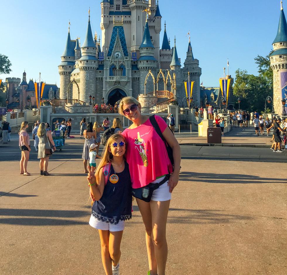 Mama y Mia castillo.jpeg