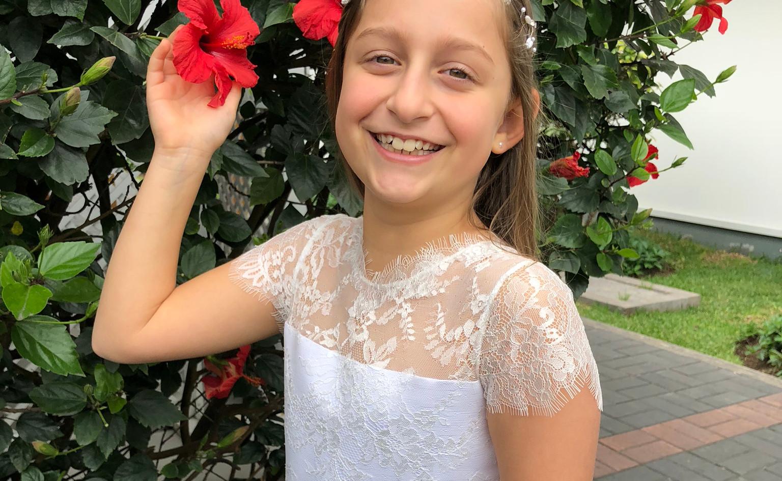 150918 Mia Kouri- primera comunion- flor