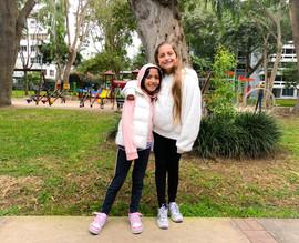 290719 Mia y Azure parque abrazo.jpeg