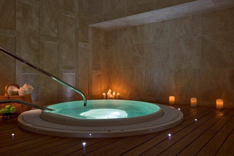 Heavenly spa jacuzzi.jpg