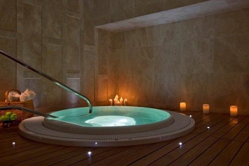 Heavenly spa jacuzzi.jpg