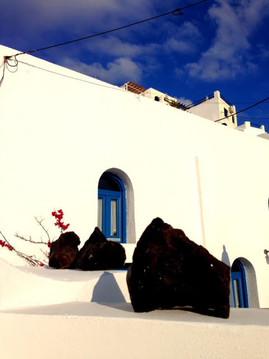 Rocas y azul.jpg