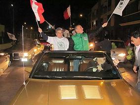 Alex Kouri en campaña electoral, junto a Victor Albrecht, Chim Pum Callao, Perú