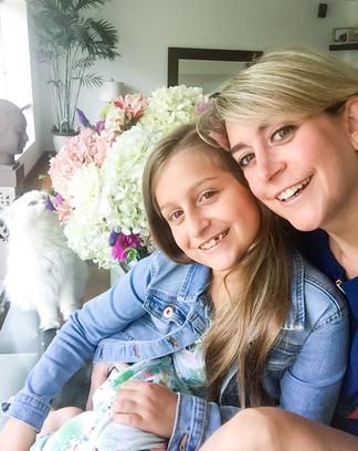 Andrea y Mia Kouri LLona