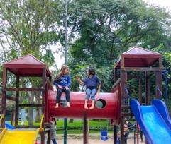Mia y Azurre parque 6.jpeg