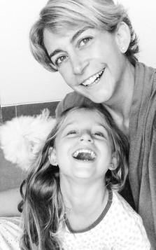Andrea LLona y Mia Kouri LLona